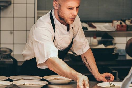 Vêtements de cuisine : s'équiper tel un vrai chef